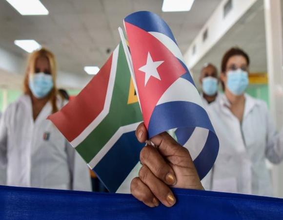 Llega a Cuba segundo grupo de colaboradores proveniente de Sudáfrica