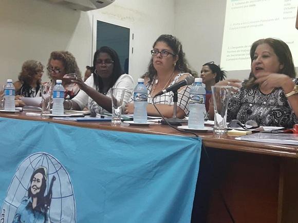 Evalúan en Camagüey implementación de acuerdos del X Congreso de la FMC