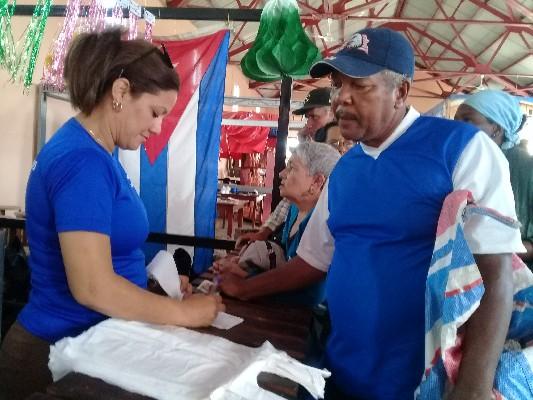 Acogió Recinto Ferial de Camagüey feria de oportunidades para el expendio de productos ociosos (+ Fotos)
