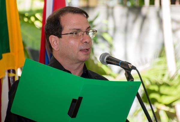 Fernando González: La prensa es tarea digna y necesaria