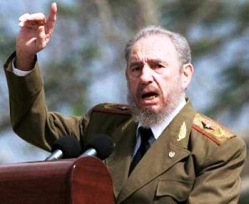 Colaboradores cubanos en Sudáfrica juran lealtad al concepto de Revolución