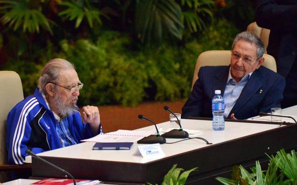 Fidel Castro asiste a clausura del VII Congreso del PCC (+Audio)