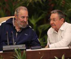 Fidel Castro en sesión final del VI Congreso del Partido