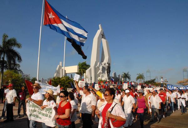 Alegres los camagüeyanos por su fiesta proletaria