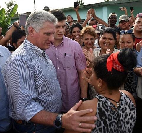 Díaz-Canel y Valdés Mesa intercambian con los camagüeyanos (+ Fotos)