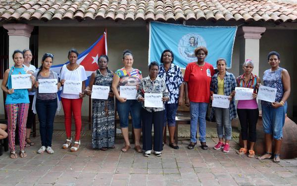 Reconocen en Camagüey a educadoras destacadas