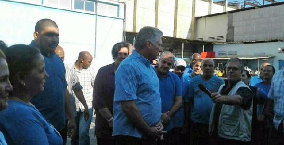 Insiste Díaz-Canel en empleo de la Comunicación Social para posicionar mercado cubano