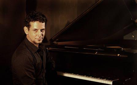 La música de Ernesto Cisneros, llena el corazón y el alma (+Fotos)