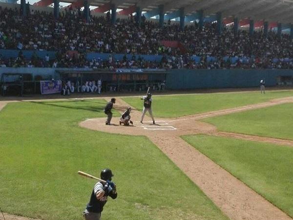 Camagüey por la victoria frente a Holguín en el estadio Cándido González (+ Post)