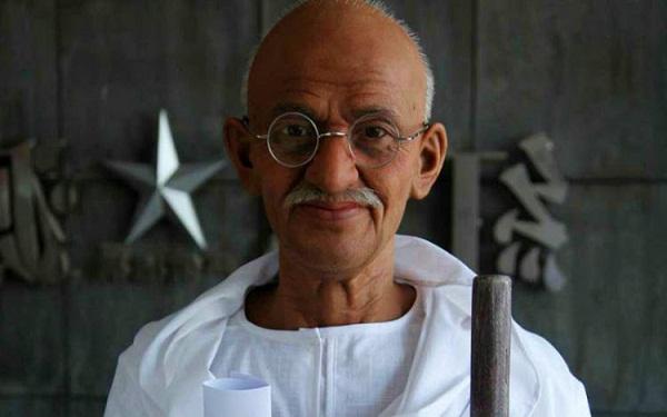 Homenaje en Cuba a Gandhi por el aniversario 150 de su natalicio