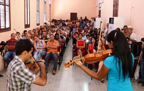 Destacan retos de la Cultura cubana en graduación camagüeyana de profesionales del Arte
