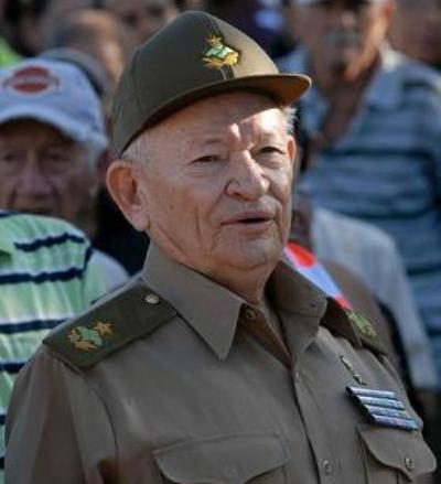 Recibe el Comandante Guillermo García Frías premio Utilidad de la Virtud