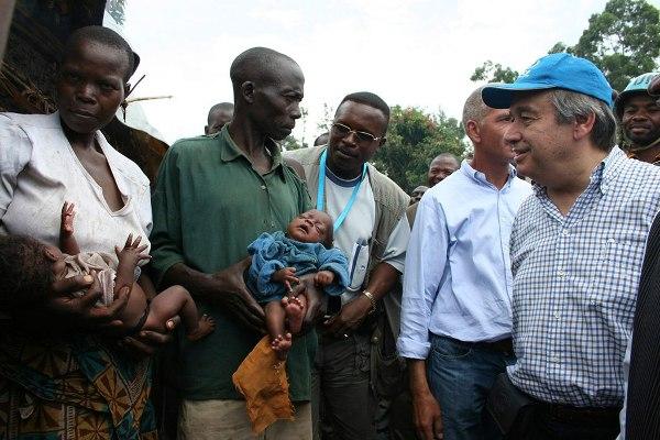 Visita Secretario General de ONU campos de refugiados en Uganda