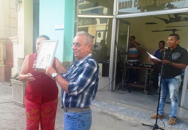 Reconocen a destacados radialistas camagüeyanos