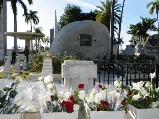Movimiento colombiano de solidaridad rinde tributo a Fidel en Santiago de Cuba