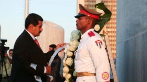 Nicolás Maduro rinde homenaje al Apóstol de Cuba