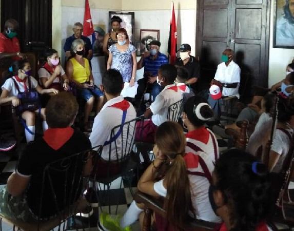 En Camagüey, encuentro de generaciones mantiene vivo el legado del Comandante Almeida