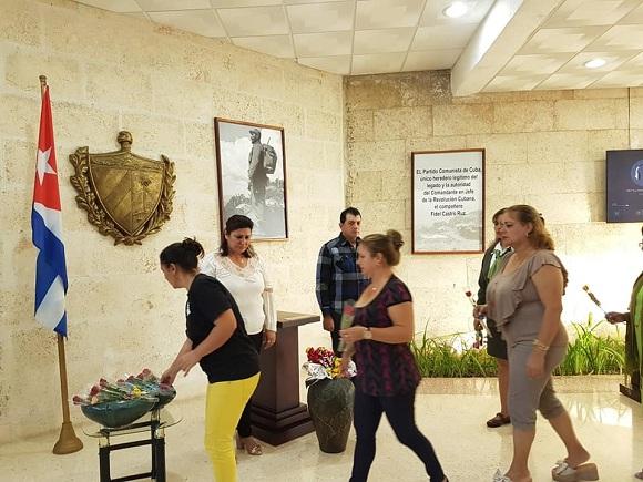 Camagüeyanos rinden homenaje a Fidel a tres años de su partida física (+ Fotos)