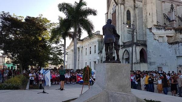 Denuncian camagüeyanos profanación a bustos del Apóstol José Martí (+ Fotos)