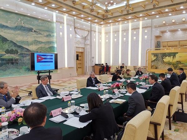 Recibió Ministro chino de Justicia a Secretario del Consejo de Estado cubano