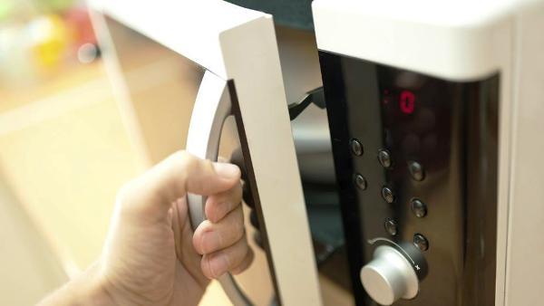 ¡Cuidado!: los hornos microondas contaminan como los automóviles