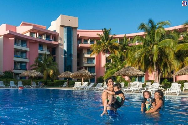 Elogia directivo español del Turismo medidas de Cuba contra pandemia