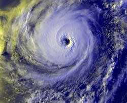 Prever, ante eventos climáticos, siempre es mejor que restañar daños