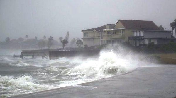 Harvey amenaza con fuertes inundaciones en estado de Texas