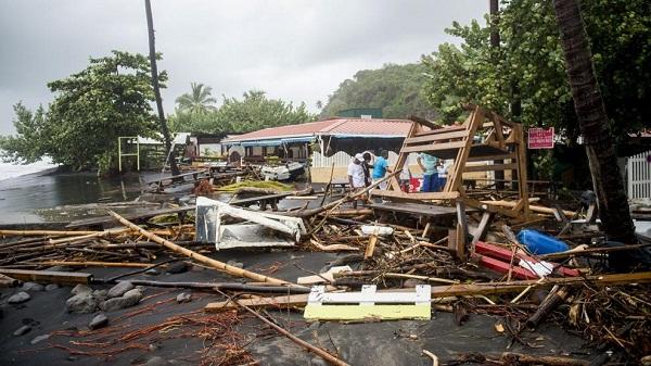 Arrasa el huracán María a su paso por Dominica