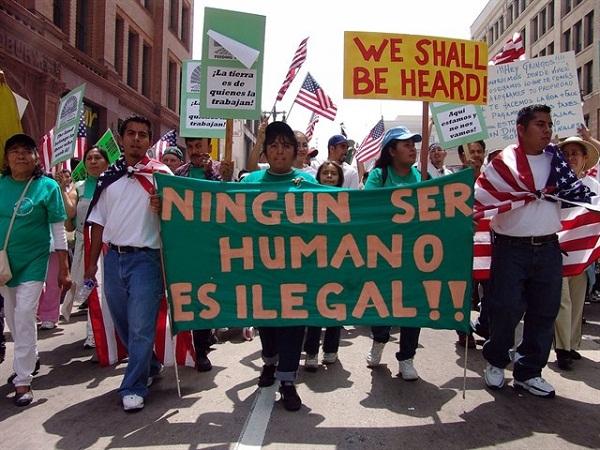 Trump amenaza con deportar a inmigrantes en EE.UU.