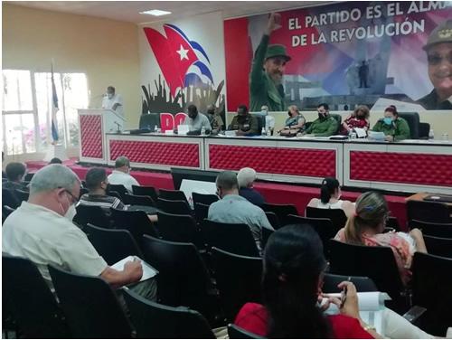 Camagüey: insisten en control de la COVID-19 en centros laborales