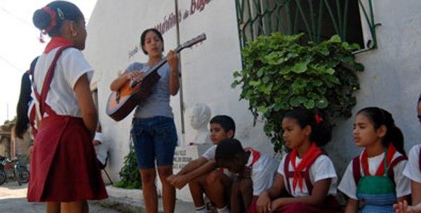 Consejo Nacional de Brigada de Instructores de Arte sesiona en capital cubana
