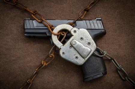 Extiende Venezuela prohibición de portar armas por un año