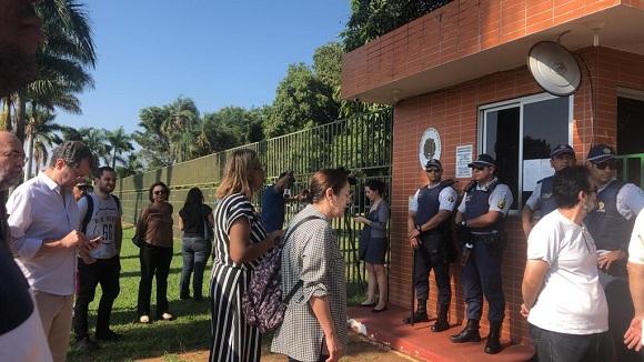 Grupos de extrema derecha invaden Embajada de Venezuela en Brasil