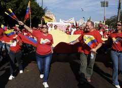 Jóvenes marchan en Cuba para apoyar a Revolución Bolivariana