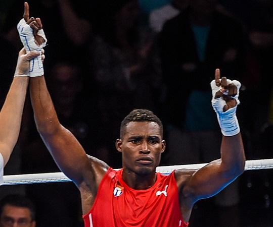 Agramontino La Cruz lidera a boxeadores cubanos en match de Serie Mundial