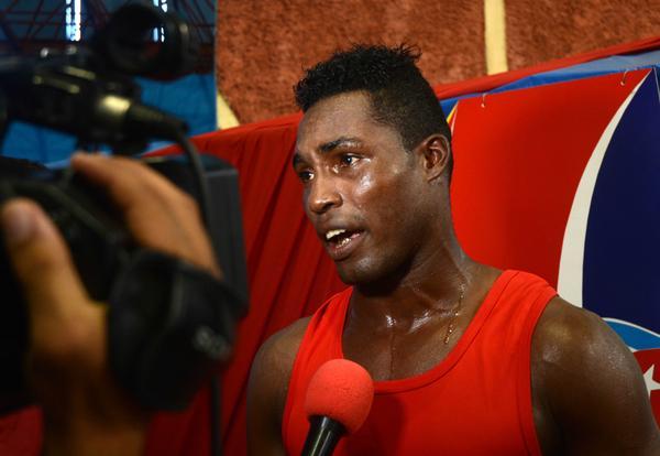Boxeador camagüeyano La Cruz debuta con éxito en los 91 kilogramos