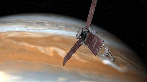 Nave espacial Juno capta la imagen más cercana a Júpiter