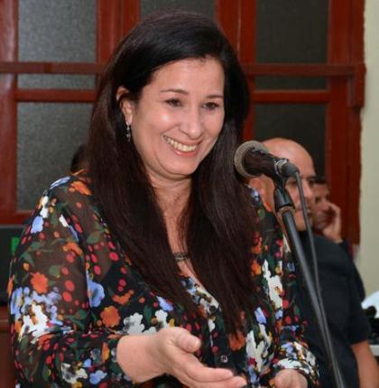 Katiuska Blanco comparte anécdotas de libro sobre Fidel con escritores camagüeyanos (+ Fotos)