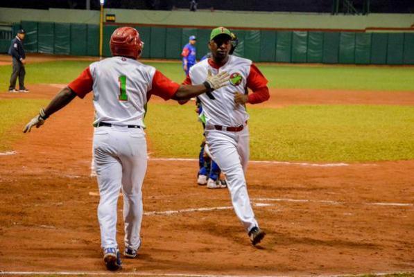 Las Tunas da primero en la gran final de la pelota cubana