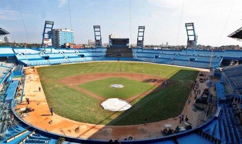 Se prepara estadio Latinoamericano para histórico partido de Béisbol