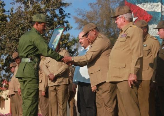 Celebran en Camagüey 35 años de escuelas de Preparación para la Defensa (+ Fotos)