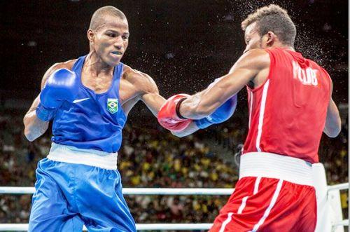 Lázaro Álvarez luchará por el bronce en Boxeo olímpico