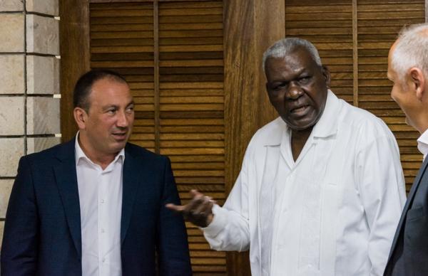 Cuba estrecha vínculos con Bosnia y Herzegovina