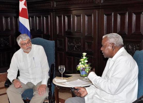 Presidente del Parlamento cubano recibió a exmandatario paraguayo Fernando Lugo