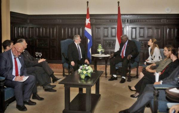 Presidente del Parlamento cubano recibe a su homólogo de Luxemburgo