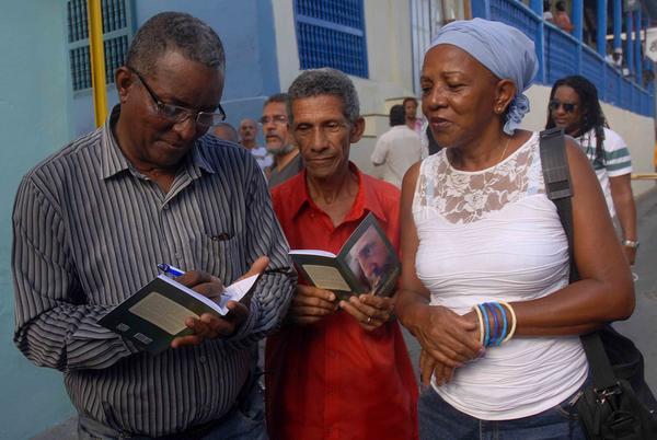 Dedicado a Fidel poemario presentado en Santiago de Cuba