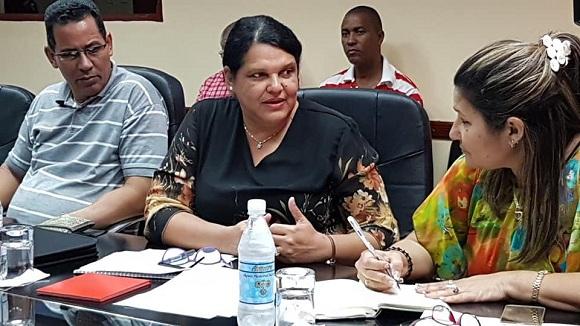Evalúa Mercedes López Acea en Camagüey avances en proceso de informatización