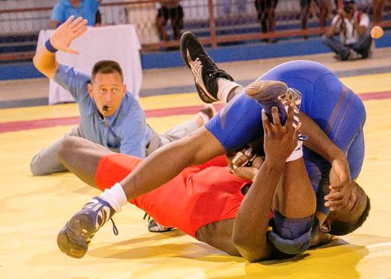 Comienza hoy en Camagüey Campeonato Nacional de Lucha de primera categoría