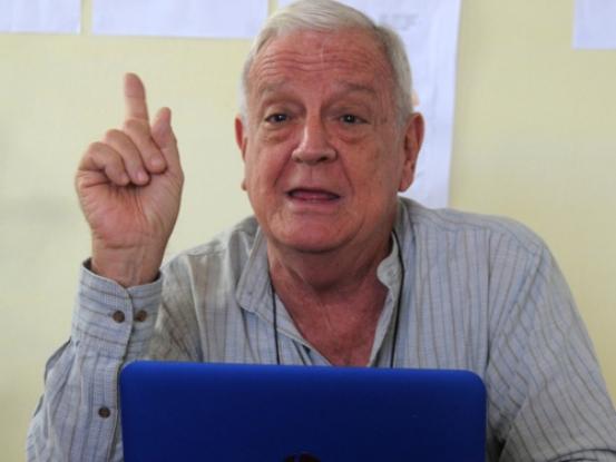Agradece camagüeyano Luis Álvarez Álvarez el Premio Nacional de Literatura